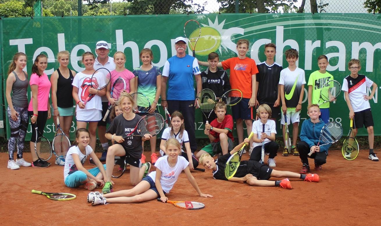 Teilnehmer und Trainer beim Feriencamp des TC Post-Sportverein Erkelenz